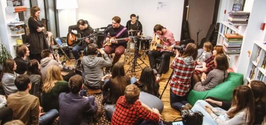 Концерт Sofar Sounds Moscow в Букводоме