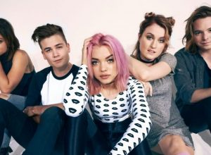 Альбом Hey Violet - From The Outside: