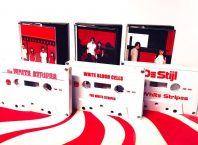 Первые альбомы The White Stripes переизданы на кассетах