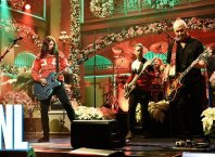 Рождественская версия Foo Fighters – Everlong на SNL