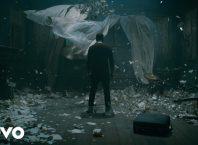 Клип Eminem - River ft. Ed Sheeran