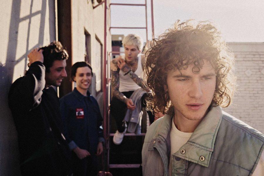 Альбом The Neighbourhood: меньше слов, больше дела