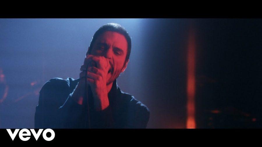 Клип Breaking Benjamin - Torn in Two