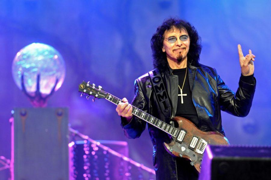 Гитарист Black Sabbath Тони Айомми победил рак