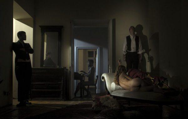 Лидер Therr Maitz Антон Беляев написал музыку к спектаклю «Вернувшиеся»