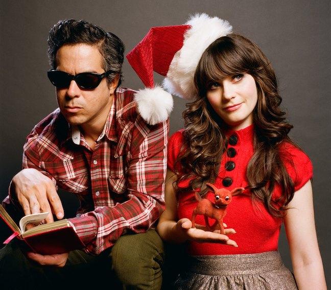 клипShe & Him - Christmas Memories: видео