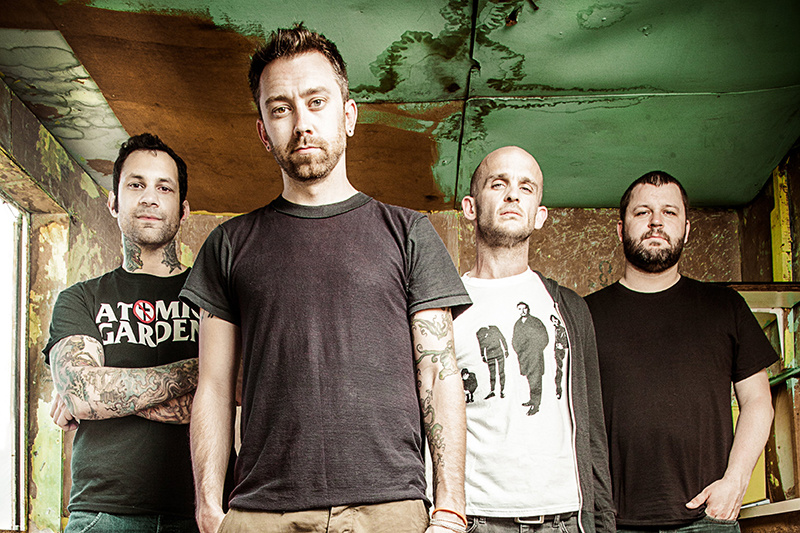 Группа Rise Against не смогла снять клип