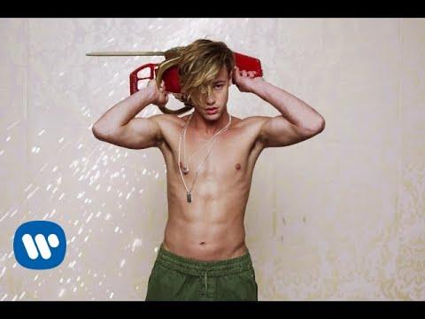 Клип Charli XCX - Boys: 65 знаменитостей в одном видео