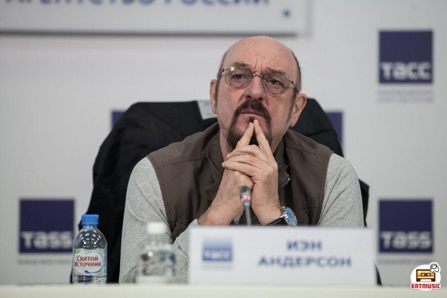Иэн Андерсон (Ian Anderson, Jethro Tull) дал пресс-конференцию в Москве (ТАСС 27-04-2018): интервью, фото Георгий Сухов