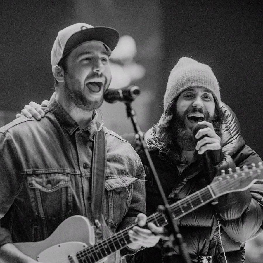 Thirty Seconds To Mars и Иван Ургант спели вместе песню Dangeorus Night