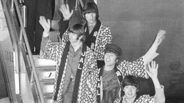Неизвестные снимки The Beatles были найдены в Японии