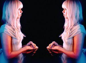 Клип Chromatics – Blue Girl