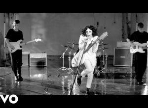 Клип Pale Waves - Kiss