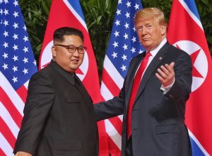 Мягкий троллинг: Дональд Трамп подарил Ким Чен Ыну диск с песней Elton John - Rocket Man