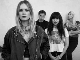 Слушать альбом Death Valley Girls – Darkness Rains рецензия