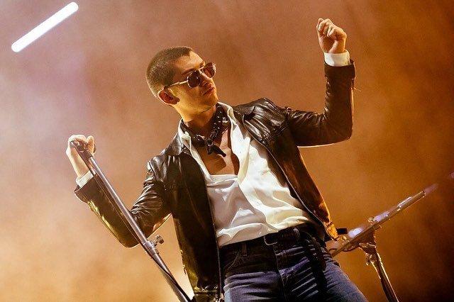 Неизданный трек Arctic Monkeys – Anyways: рецензия