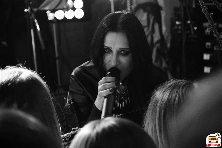 Концерт Линды в Мумий Тролль Баре (Москва, 09-02-2019): репортаж, фото Екатерина Головина | Eatmusic