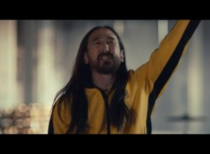 Клип Steve Aoki - Why Are We So Broken feat. Blink 182