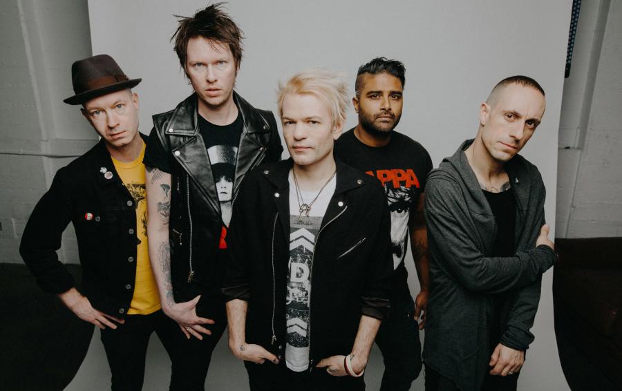 слушать Альбом SUM 41 — Order In Decline рецензия